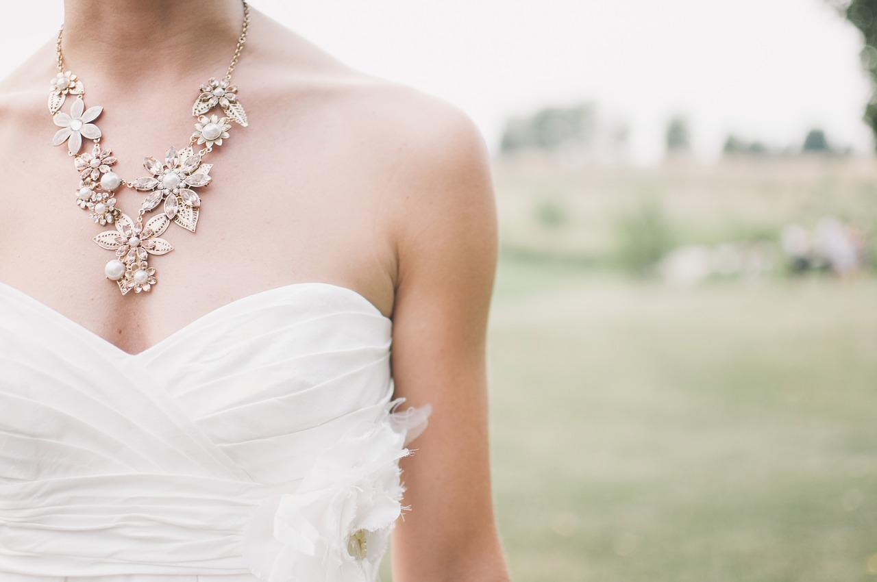 Choisir sa robe de mariée selon son type de silhouette